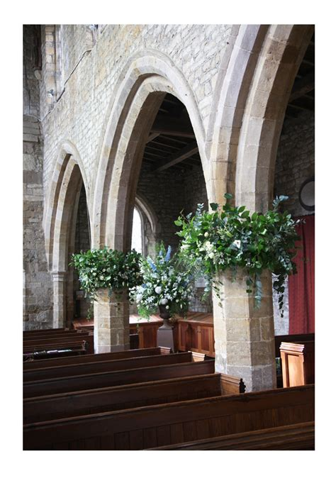 How To Decorate Pillars by Country House Flowers Quot In The Spirit Of An