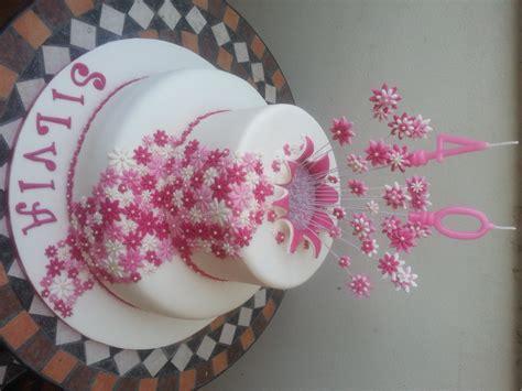 torte di compleanno con fiori torta esplosione di fiori cuginette sul g 226 teau