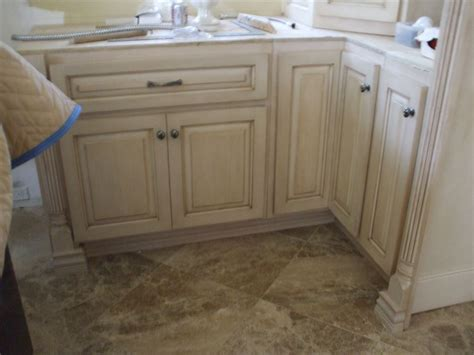 custom kitchen cabinets prices get a price on custom kitchen cabinets