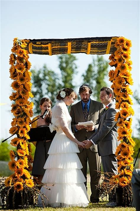 Wedding Arch With Sunflowers by Sunflower Wedding Arch Wedding Ceremony Ideas Wedding