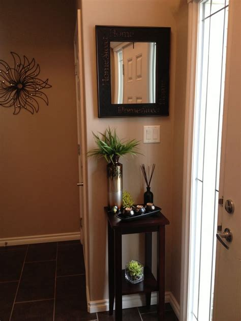 Front Foyer Decorating Ideas 1000 Ideas About Small Entryways On Small