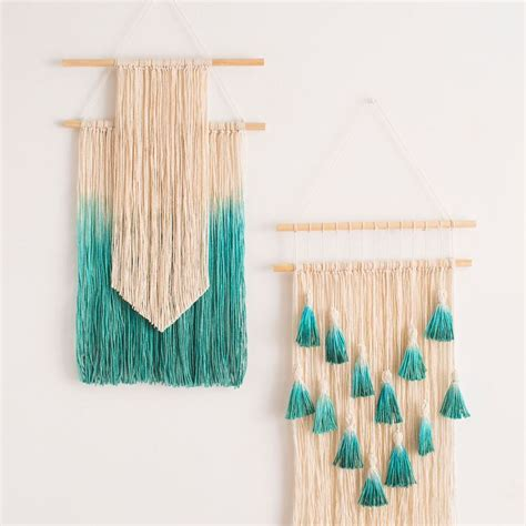 Make Macrame Wall Hangings - 17 best ideas about yarn wall hanging on yarn