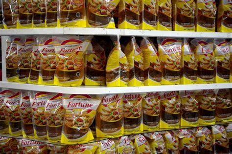 Minyak Goreng Industri operasi pasar wilmar jual minyak goreng rp 11 000 per