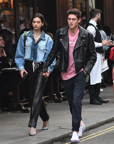 dua lipa isaac who is dua lipa s boyfriend isaac carew did he cheat on