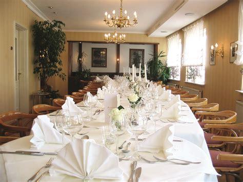 festliche tafel feiern im caf 233 madlon 171 caf 233 madlon