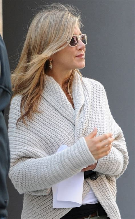 Lepaparazzi News Update Anistons No To Pitt Book by Aniston And Justin Theroux Go Furniture Shopping
