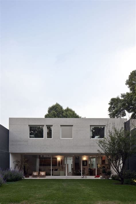 rectangle house rectangular shaped modern house connecting the inhabitants