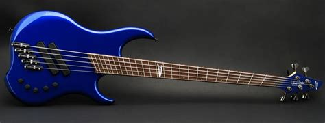 fanned fret bass guitar what are the benefits of guitars with fanned frets