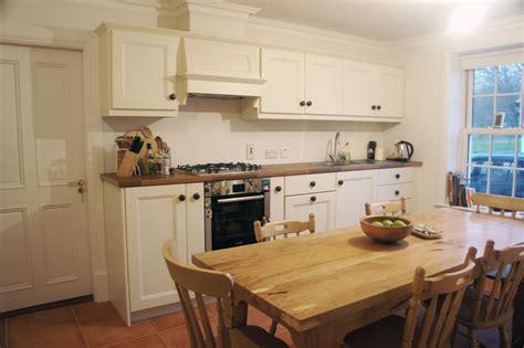 irish country living traditional kitchen brisbane  anne ellard design