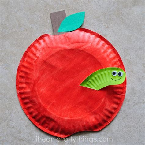 Paper Plate Apple Craft - i crafty things paper plate apple craft