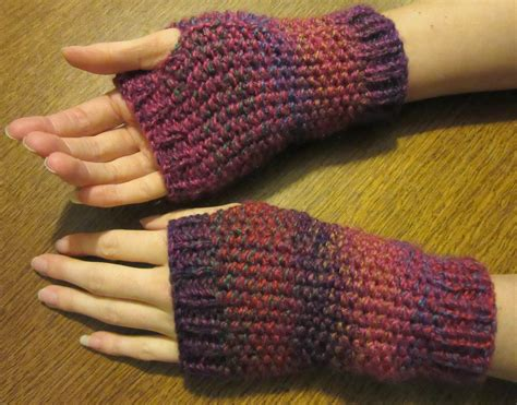 wrist warmers free knitting pattern handmadebymeg free simple knitting pattern for wrist warmers