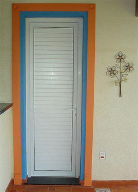 porta pvc portas e janelas de pvc veja como usar esse material em