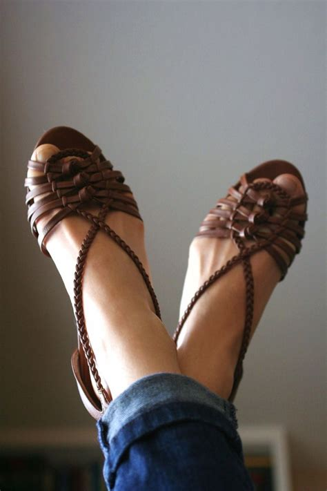 Sandal Kelom Geulis C 089 47 best images about how to wear gladiator sandals on