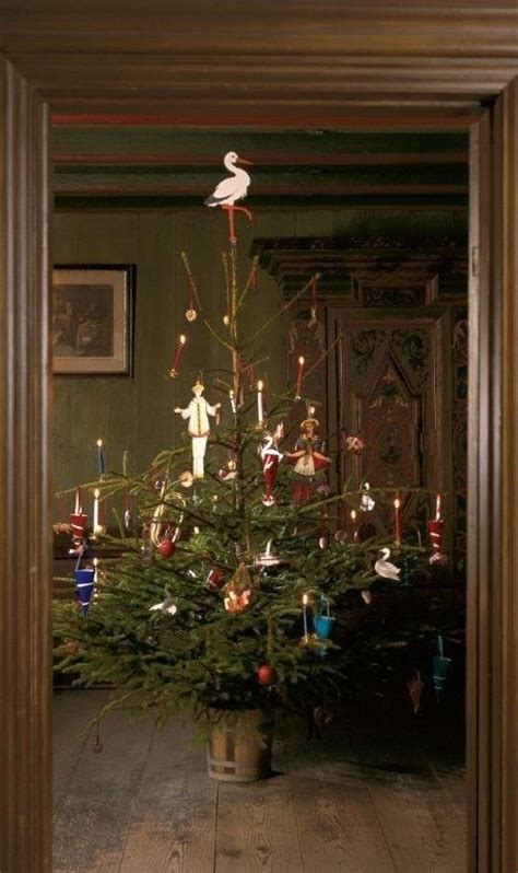 danish christmas tree as it would have been in the 1860s
