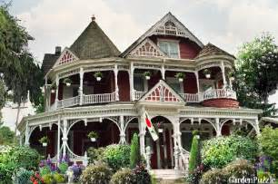 Queen Anne Victorian Homes queen anne empire old victorian house gardenpuzzle online garden