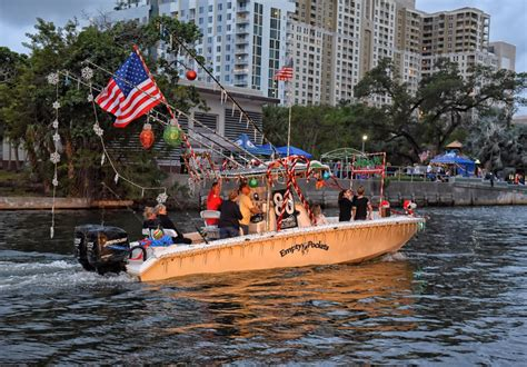 winterfest boat parade 2016 tickets scenes from the 2016 winterfest boat parade slideshow