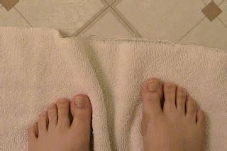 using a wash cloth as a bath mat frugal for