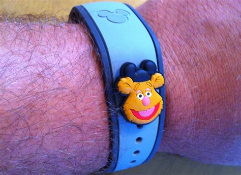 Cover Magic Disney Unboxing And Testing Disney S Magicband Buttons Covers