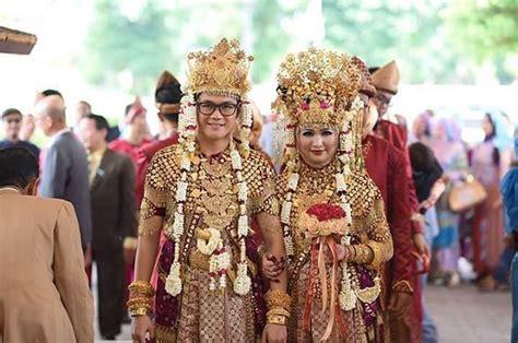 Aksesoris Pengantin Lung Baju Adat 10 inspirasi pernikahan unik nan megah a la palembang dengan pakaian adat aesan gede