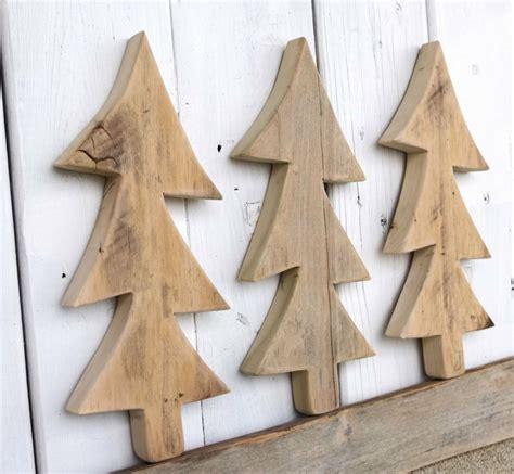 weihnachtsdeko mit holz mit recyceltem holz basteln zu weihnachten f 252 r