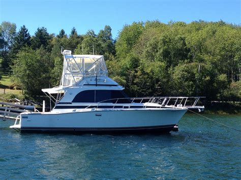 boat financing ns 1987 bertram 33 flybridge cruiser power new and used boats