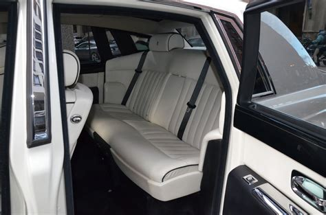 Limo Chauffeur Service by Beverly Limo Service Beverly Town Car Service