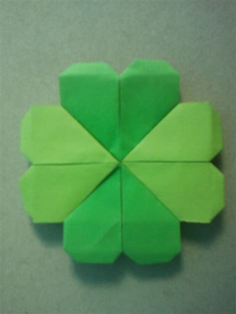 Origami Clover - origami shamrock c craft ideas