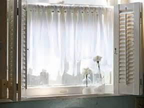 Curtain For Window Ideas 10 Diy Ways To Spruce Up Plain Window Treatments Window Treatments Ideas For Curtains