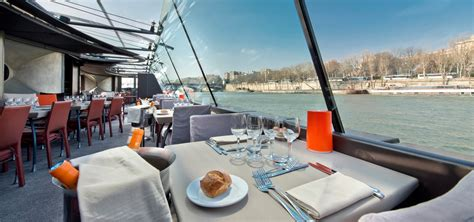 boat cruise lunch lunch cruises on the seine paris cruises