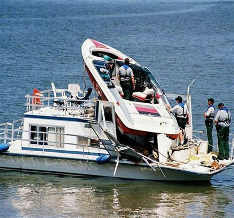boating accident up north 15 best funny boating accidents images on pinterest