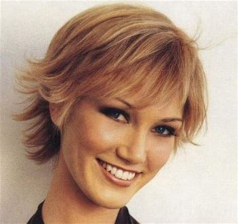hair that flips in the back flipped out layered bob long hairstyles