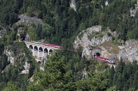 bank austria wien meidling die l 228 ngste flagge 214 sterreichs zw kleiner krausel tunnel
