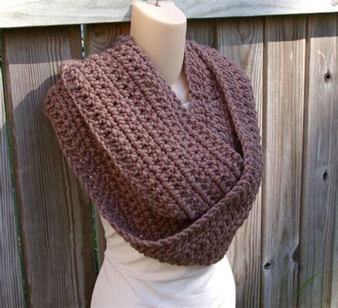 crochet pattern for infinity scarf 63 best images about crochet scarf cowl shrug on pinterest