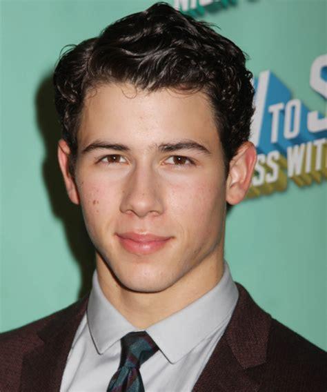 Nick Jonas Hairstyle by Pictures Jonas Brothers Hairstyles Nick Jonas Hair