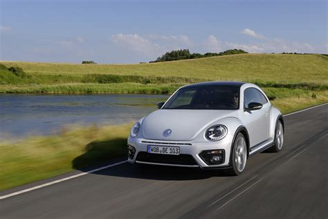 new volkswagen beetle 2017 2017 volkswagen beetle detailed in new photos and videos