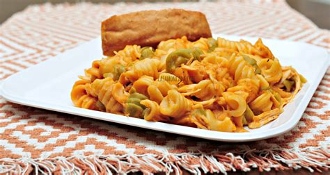 tri color pasta recipe easy tri color rotini with chicken recipe barillafiesta