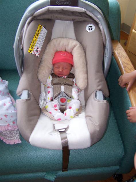 preemie car seat a preemie baby baby carseats
