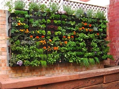 Vertical Planter Ideas by Diy Recycled Pallet Planter Ideas Diy And Crafts