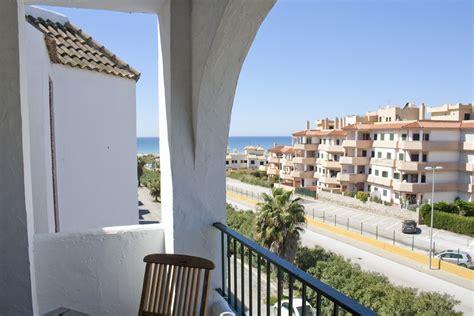 alquiler de apartamentos en zahara de los atunes apartamento de tres dormitorios en zahara de los atunes