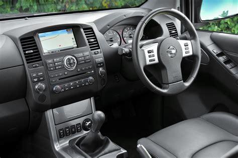 nissan np navara review tekna interiors  superb