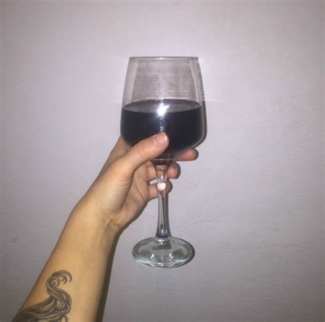 red wine before bed two glasses of red wine before bed can help weight loss