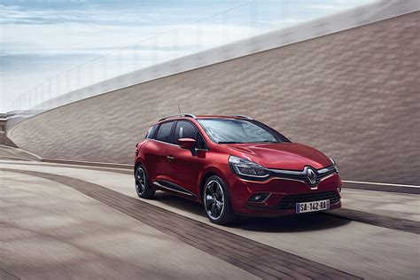 clio renault 2017 2017 renault clio facelift revealed will be launched at