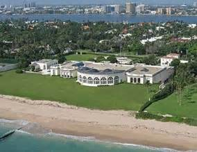 donal house donald trump s palm beach house is worth a whopping 125 million and is 62 000 square feet it