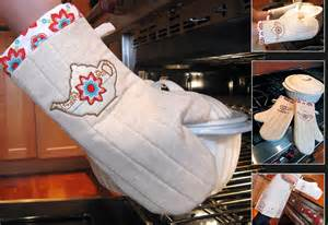 sew 4 home tea time kitchen appliqu 233 quilted oven mitts sew4home