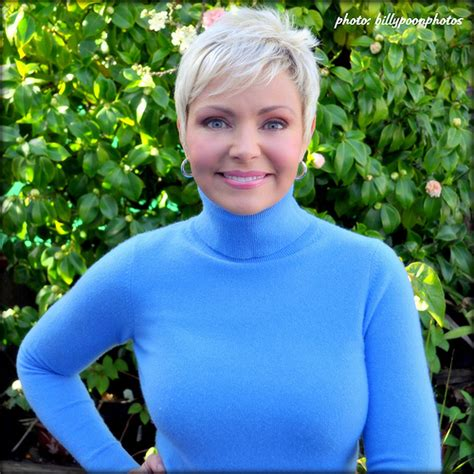 short blonde hair lady on weather channel samantha mohr weather channel hln cnn photo of hln