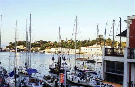 alberghi a porto hotel locanda sul mare ischia porto ischia hotel offerte