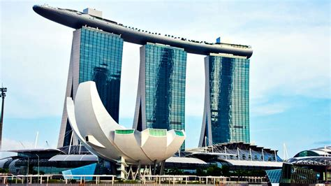 famous boat hotel singapore marina bay sands hotel series elegant architectural
