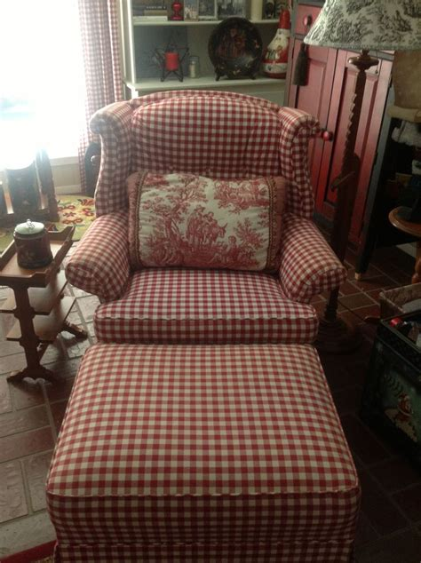 cottage style chairs and ottomans i have been looking all over for a red and white gingham