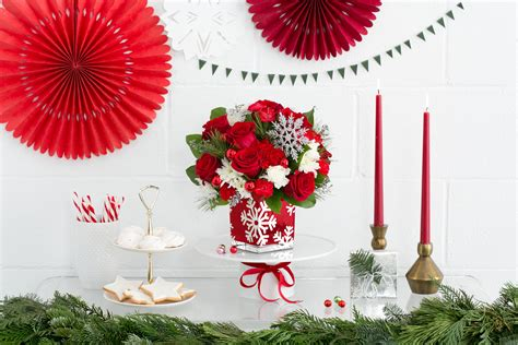 Win Christmas Giveaway - giveaway enter to win a teleflora christmas centerpiece teleflora blog