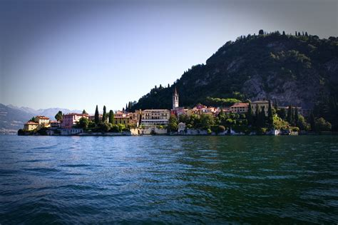 dinner on a boat lake como varenna boat cruise and dinner lake como food tours